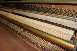 Piano droit Furstein