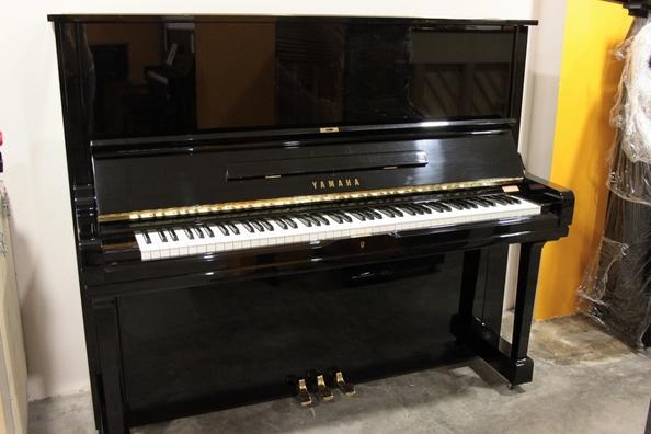 Yamaha U3 H