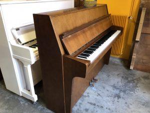 Piano droit Schimmel 112
